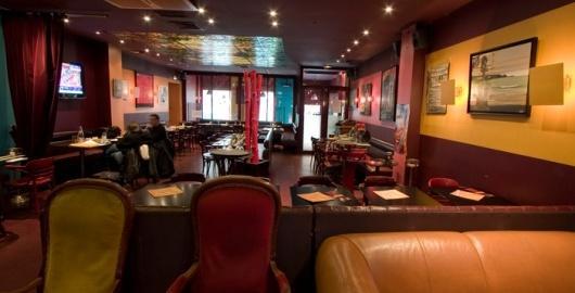 Rez-de-chaussee-2-du-restaurant-Cafe-Pierre